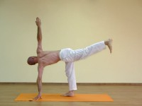 Yoga asana: 069-Parivritta Chandrasana