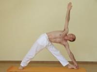 Yoga asana: 016-Utthita Trikonasana A