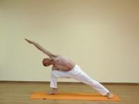 Yoga asana: 024-Utthita Parshvakonasana A